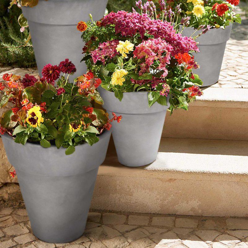 Set of 4 – Nestable Pot Planter Gray Lifestyle